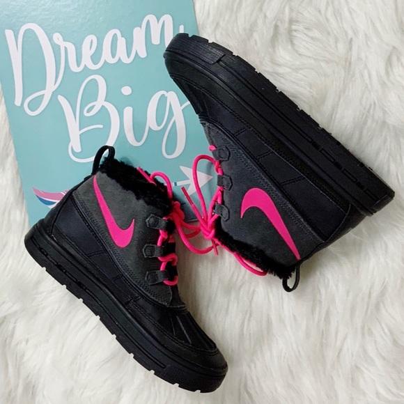 Nike Woodside Girls Chukka Boots Size